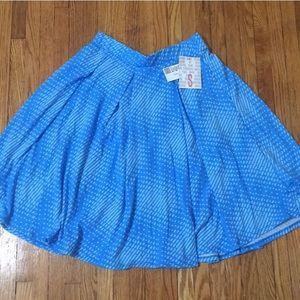 Small LuLaRoe Madison Skirt with pockets!